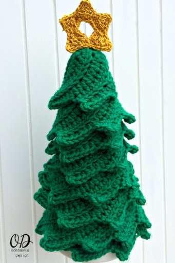 6 Star | Christmas Tree | Free Pattern | Oombawka Design