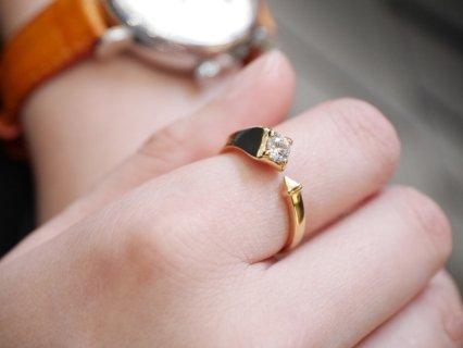 右手人差し指に指輪をつけると金運UP!?お勧めはアヴァンティコレクションリング
