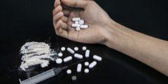 أنت أقوى من المخدرات معاً سنقضي تماما على الإدمان : أكثر الأسباب شيوعا لتعاطي المخدرات