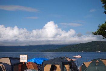 キャンプ・テント