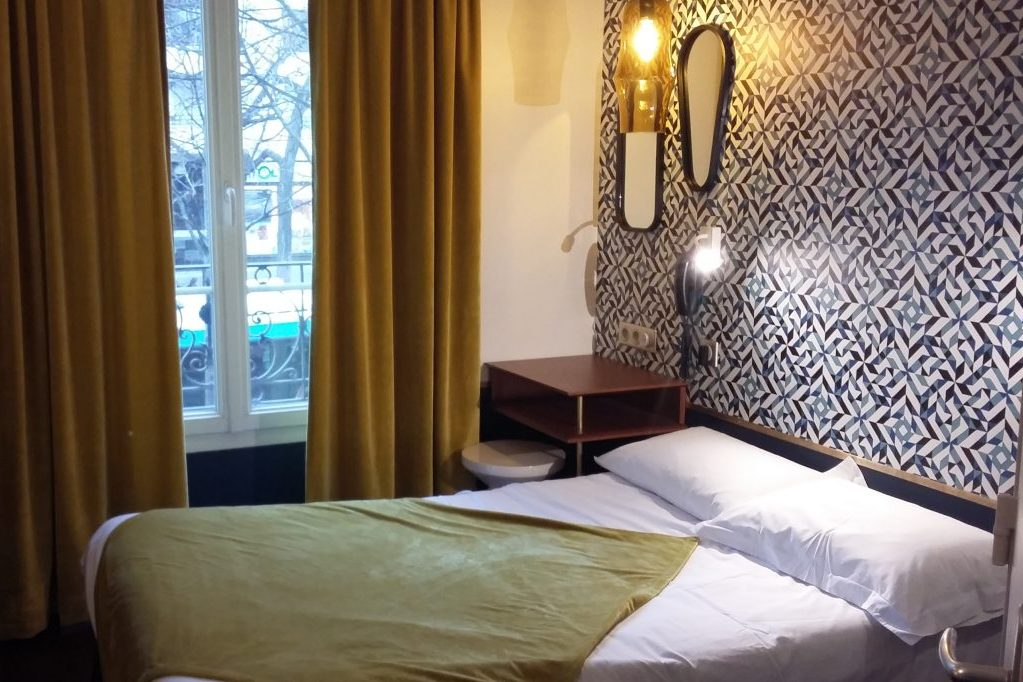rooms rates oops design hostel parisoops design hostel paris. Black Bedroom Furniture Sets. Home Design Ideas