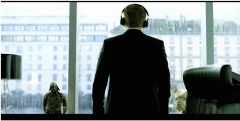 KLASSISK: Hvis du vil være sofistikert er det bare å høre på Vivaldi mens du stirrer ut på regnet. Og ha mye nips på kontoret.