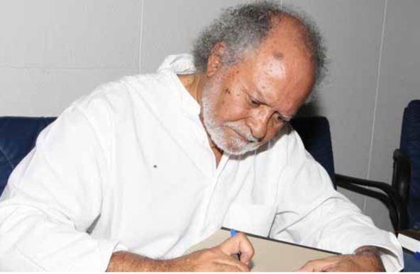 Poeta Arnaldo Santos é homenageado hoje na UEA