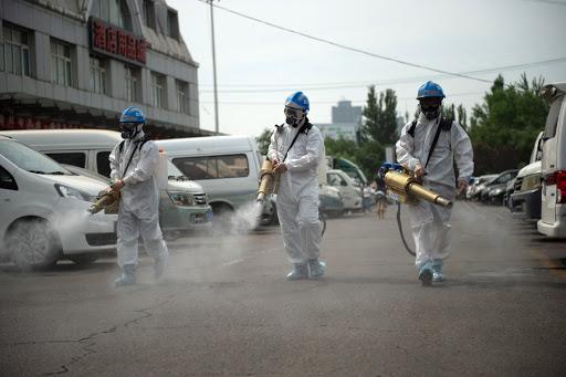 Pequim diz que surto está controlado após testar centenas de milhares de pessoas