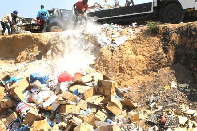 INADEC apreende cerca de 20 toneladas de produtos impróprios para o consumo