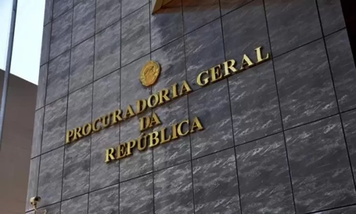 PGR apreende máquinas ''desviadas'' da rota da Presidência da República