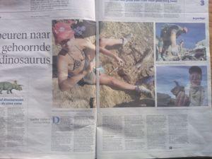 foto van het noordhollandsdagblad met het artikel over de opgraving