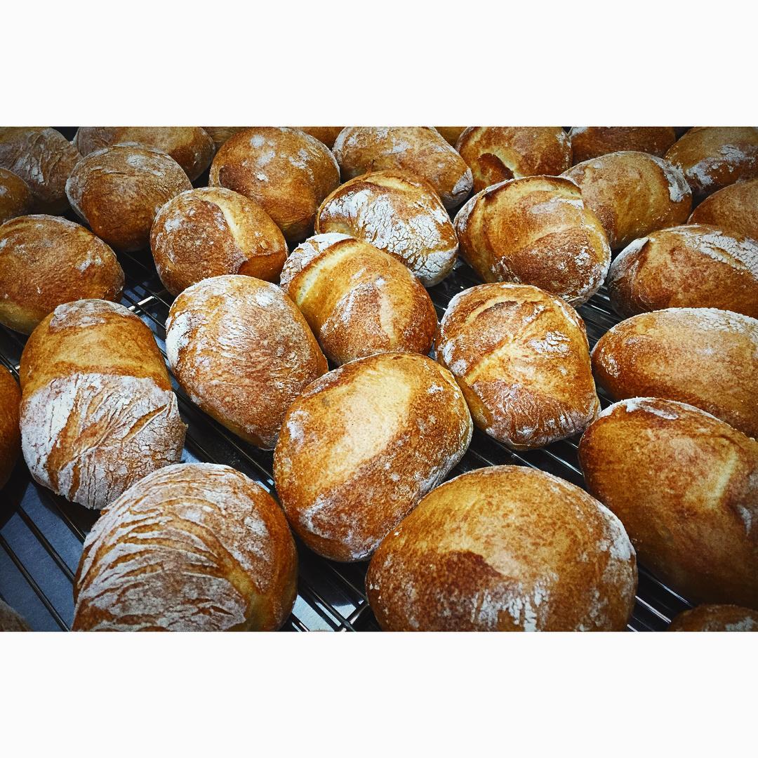 チャパタ、いい焼き色でゴロゴロと焼きあがりました | OPAN オパン|東京 笹塚のパン屋