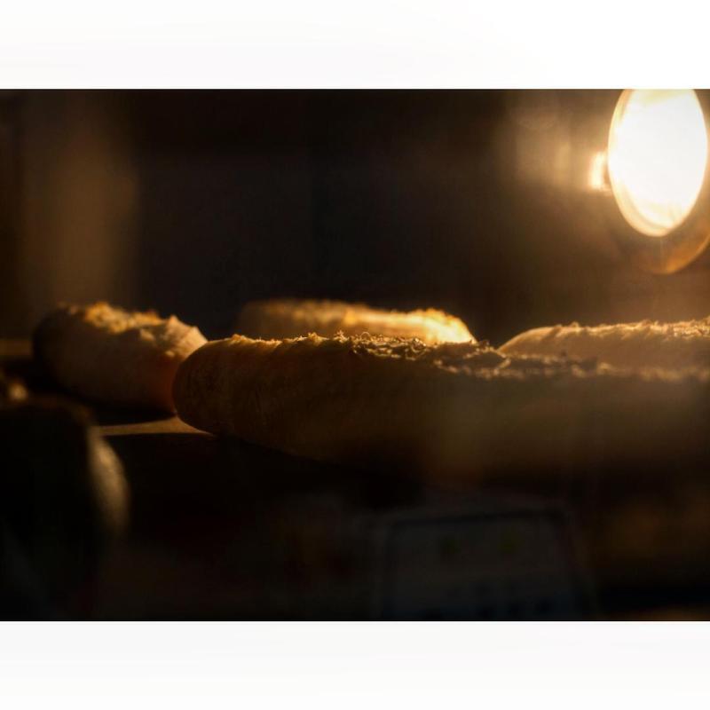 外側パリッと、中はもっちり オパンのバゲット | OPAN オパン|東京 笹塚のパン屋