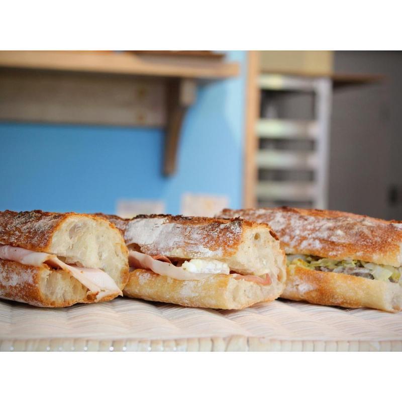 生ハムとカマンベールチーズのカスクート、 パテドカンパーニュサンドイッチ   OPAN オパン 東京 笹塚のパン屋