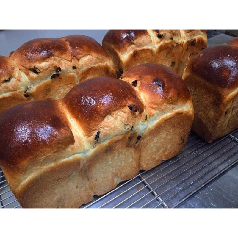 オパンのレーズン食パン | OPAN オパン|東京 笹塚のパン屋