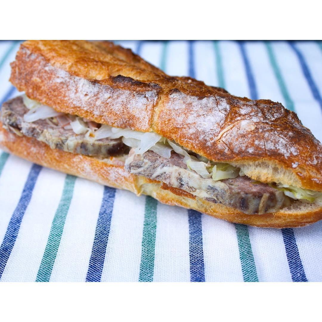 オパンのパテ・ド・カンパーニュバゲットサンドイッチ | OPAN オパン|東京 笹塚のパン屋
