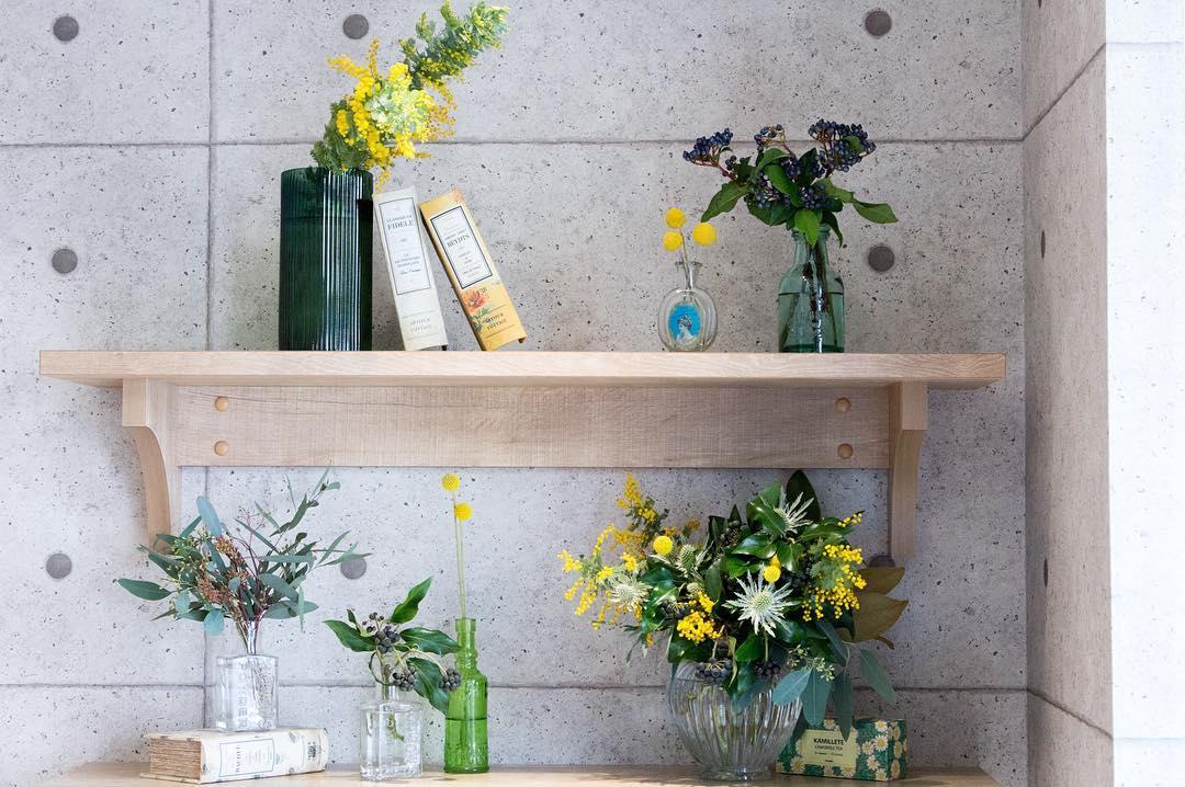 店内のお花を新しくして頂きました(2016.03.04)