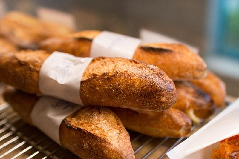 ミルクフランス、ミルクパンのパヴェが焼き上がっております(2020.02.16)