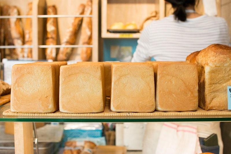 オパンの角食・山食は、焼き上がり時間は1日2回(11時半頃~/15時頃~)随時焼き上がっていきます(2020.07.18)