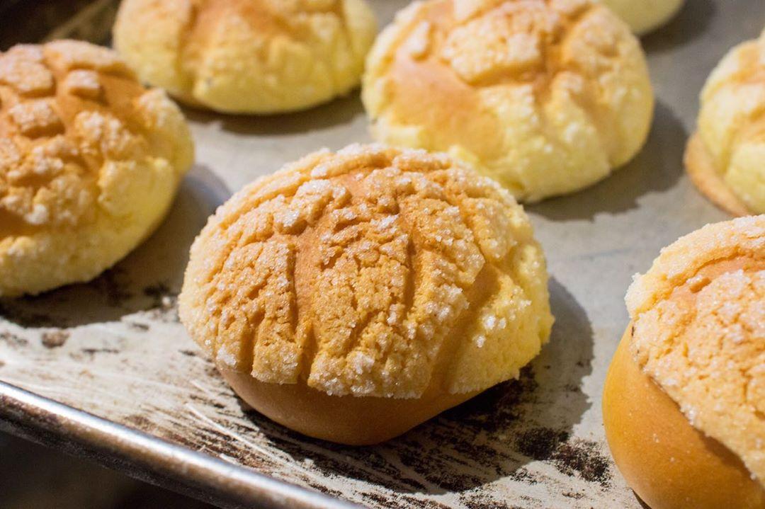オパンでは、「あんぱん」や「クリームパン」「メロンパン」などの定番のパンもご用意しております(2020.08.30)