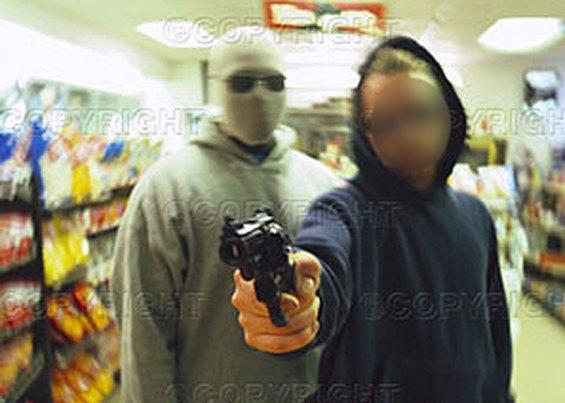 1056-Policiais-Assalto a Supermercado