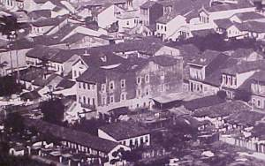 Apertamento e quarentena - Cortiço Cabeça de Porco, década de 1910 (Foto: Marc Ferrez)