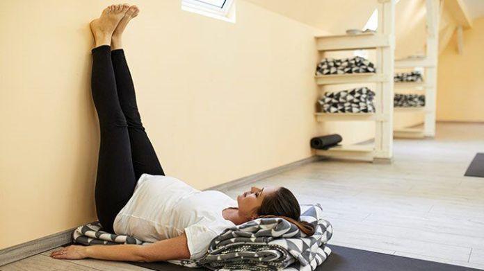 Pernas-para-cima-na-parede Posição - Viparita Karani - para Restaurar e Revitalizar