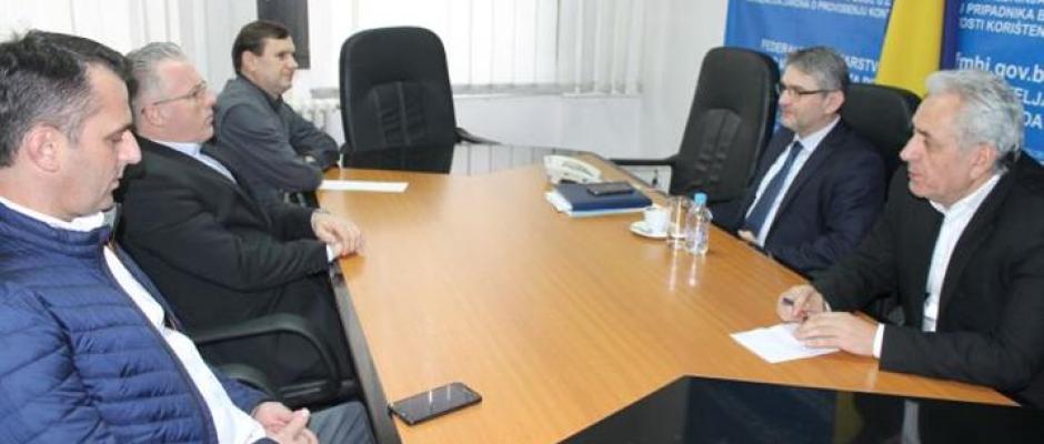Izgradnju stambene zgrade boračkoj populaciji u Bosanskoj Krupi podržao i federalni ministar Salko Bukvarević