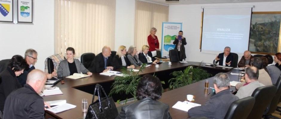 """Održan sastanak Privrednog vijeća: Nova zanimanja, potrebna bosanskokrupskom tržištu rada, u MSŠ """"Safet Krupić"""" očekuju se početkom školske godine"""