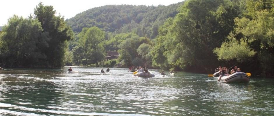 U čast oslobodiocima Ćojluka: Upriličen memorijalni spust na rijeci Uni