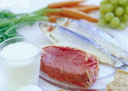 Grasas buenas en comparación con grasas malas en la dieta