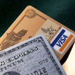 海外キャッシングの方法は?手数料は?クレジットカードとの相違は?