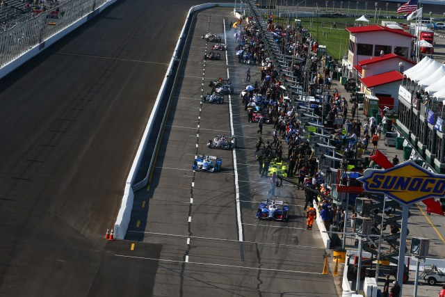 Teams pull out of the pits for practice at Gateway Motorsports Park in 2017.