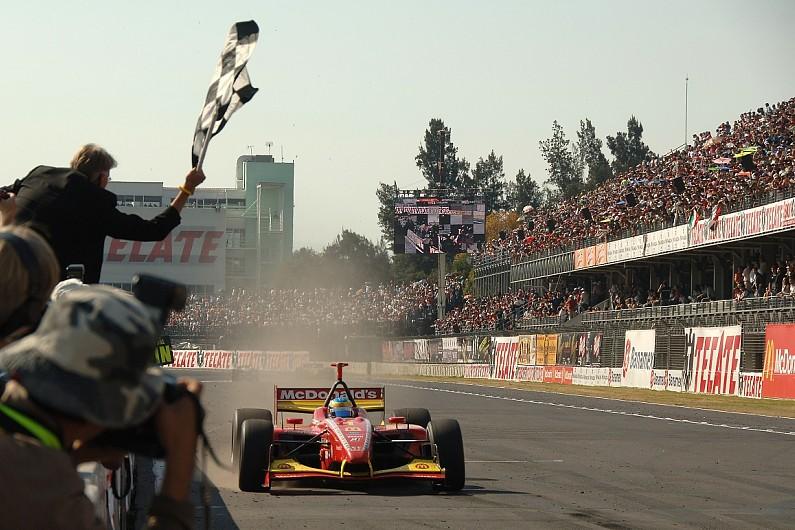 Sebastien Bourdais wins in Mexico in 2007