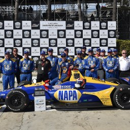 Alexander Rossi wins from pole in Long Beach