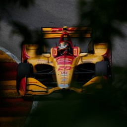 Hunter-Reay leads opening practice at Road America