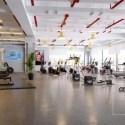 モダンなデザインのインテリアシーンとスポーツジムセンター