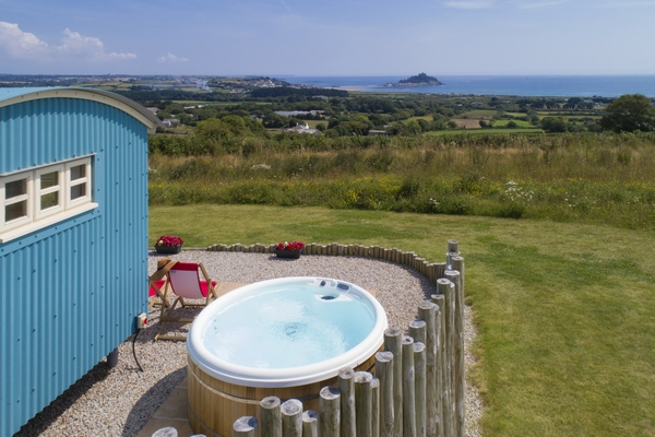 Mount View hot tub and accommodation