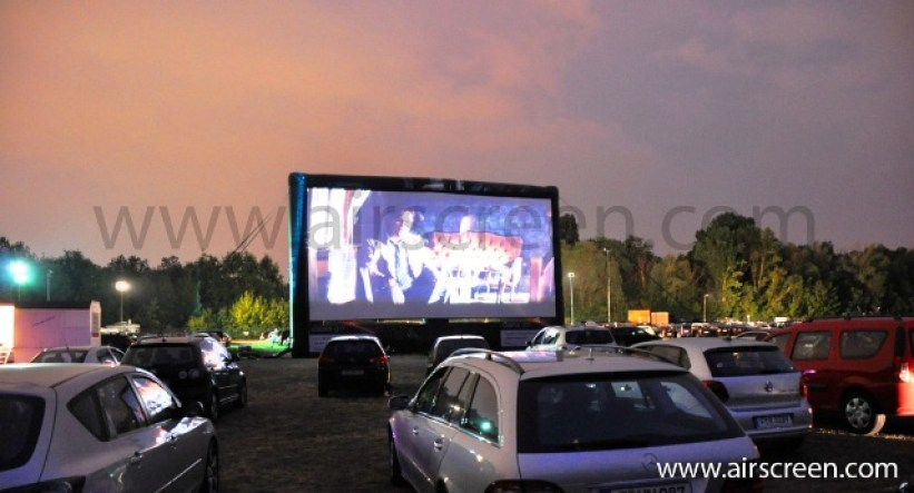 Drive-In in Berlin mit AIRSCREEN