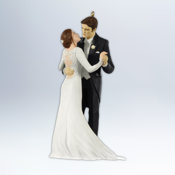 "NEW ""BREAKING DAWN"" ORNAMENT UNVEILED & COMIC-CON NEWS"