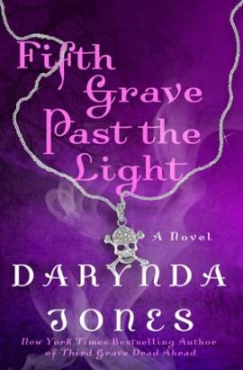 fifth-grave-past-the-light-charley-davidson-darynda-jones