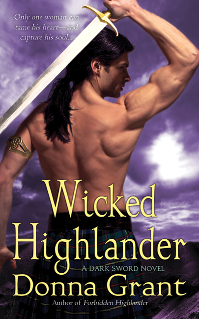 WICKED HIGHLANDER (DARK SWORDS, BOOK #3) BY DONNA GRANT: BOOK REVIEW