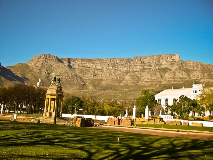 table-mountain-picture.jpg