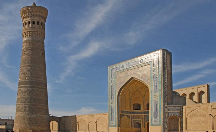 boukhara, circuit en ouzbékistan, circuit touristique en ouzbékistan, minaret kalon, mosquée kalon, séjour ouzbékistan