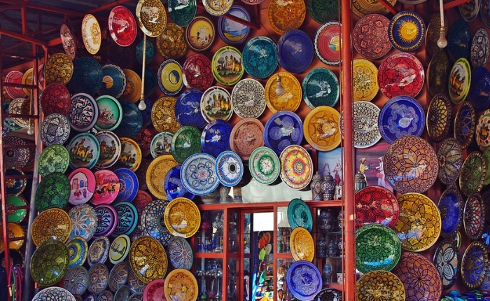 à voir à faire à Marrakech, incontournables, Jemaa el Fna, Koutoubia, maroc, Marrakech, médina Marrakech, quoi faire, le jardin de majorelle , la mederssa ben youcef, les souks de la medina