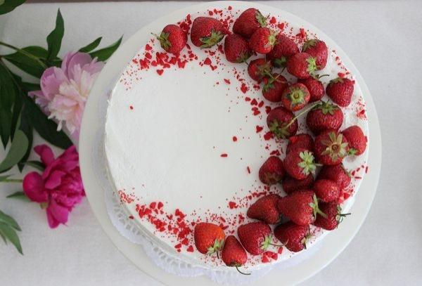 Как украсить торт фруктами и ягодами в домашних условиях ...