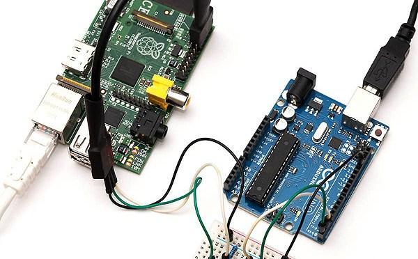 Tutorial para conectar un Arduino con Raspberry PI por puerto serie.