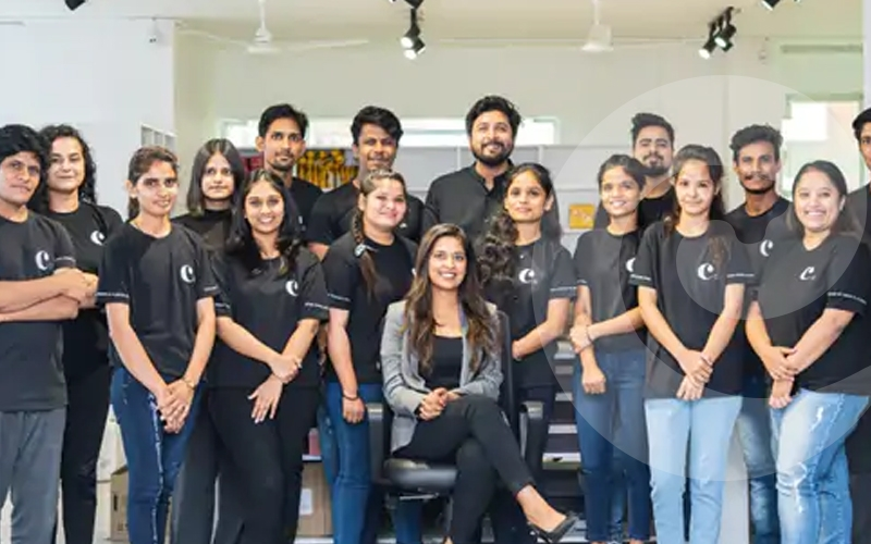 online-business-the-young-woman-who-created- the-2.5-crore-company
