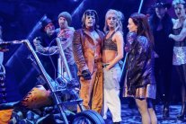 LtoR-Giovanni-Spano-as-Ledoux-Amy-Di-Bartolomeo-Christina-Bennington-as-Raven-in-BAT-OUT-OF-HELL-THE-MUSICAL-credit-Specular
