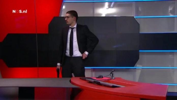 olanda uomo armato in tv