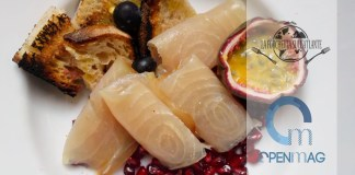 insalata di pesce spada e frutta tropicale