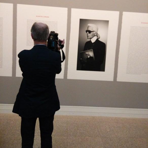 Ausstellung Bundeskunsthalle: Karl Lagerfeld. Modemethode 28. März bis 13. September 2015