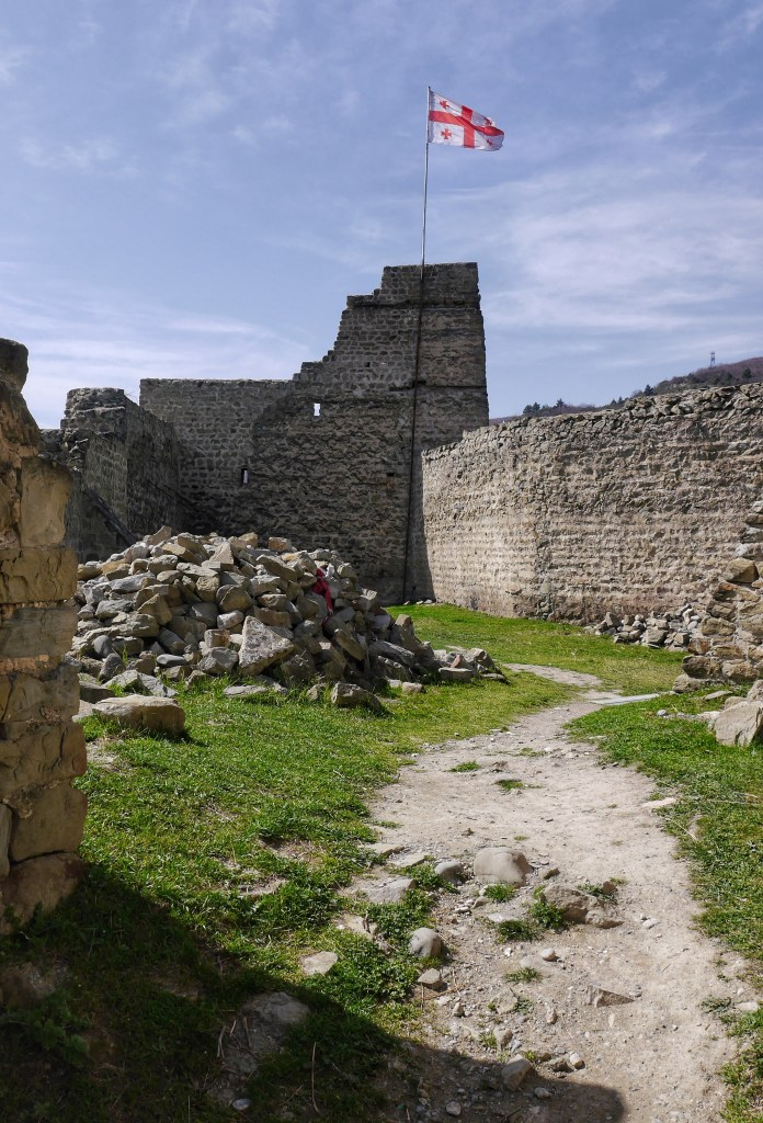 Hike to Beberi Fortress