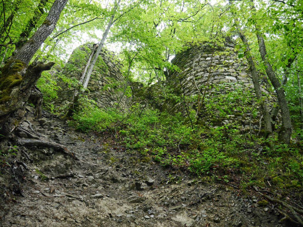 Hiking to Gelersen Gorersen in Sheki